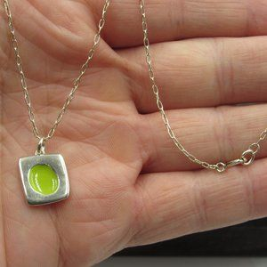 """Jewelry - 18"""" Sterling Silver Green Circle Inlay Necklace"""